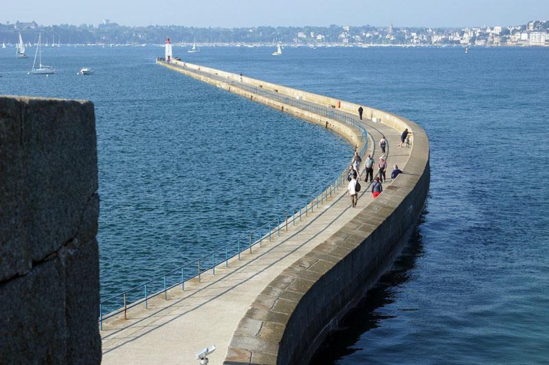 Saint-Malo : le Môle des Noires