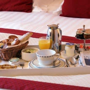 room-service, petit déjeuner en chambre